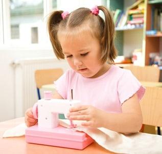 machine coudre pour enfants. Black Bedroom Furniture Sets. Home Design Ideas