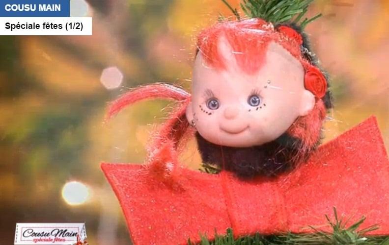 cousu-main-M6-sapin-de-noel-rouge-tete-poupée