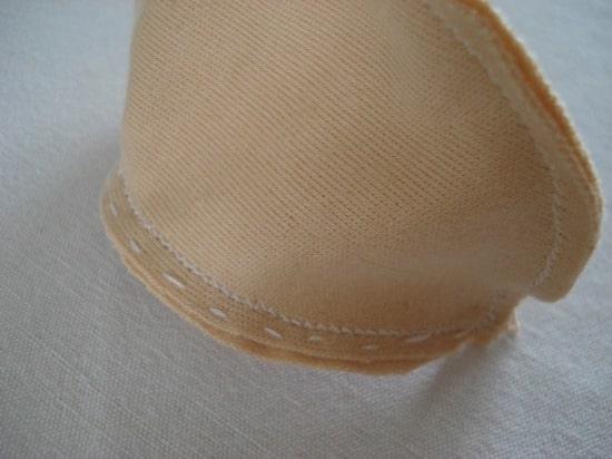 couture machine tête pourpée de chiffon