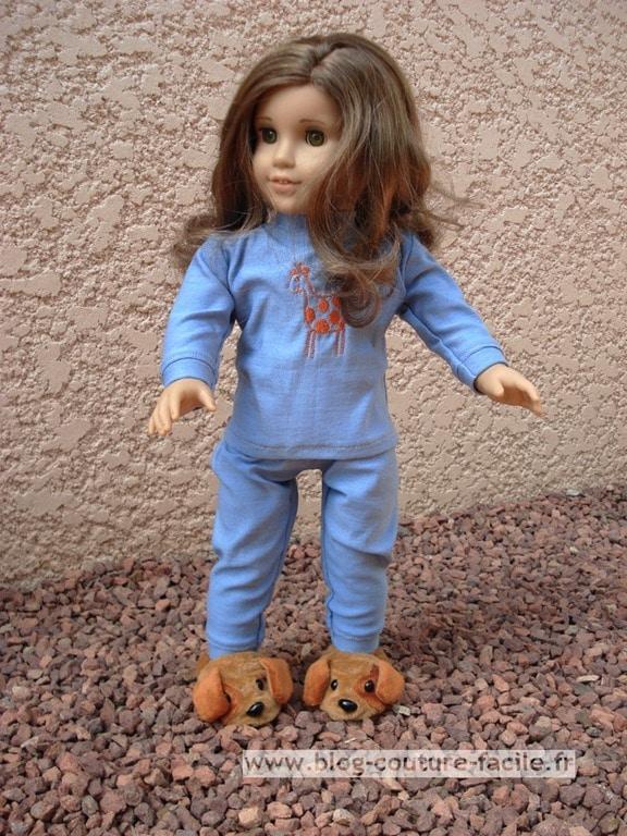 vetement poupée pyjama