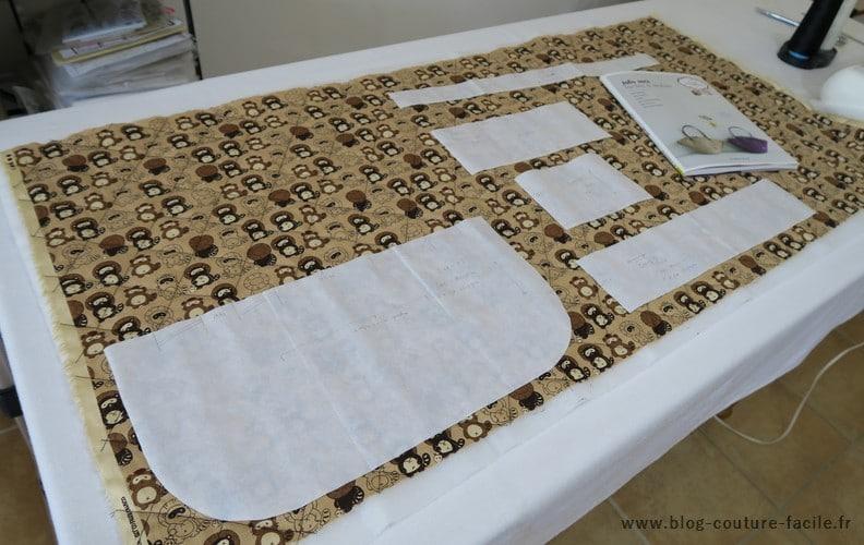 decoupe des pieces sur tissu matelasse