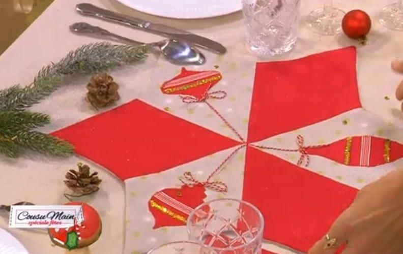 Cousu-main-M6-decoration-centre-table-rouge