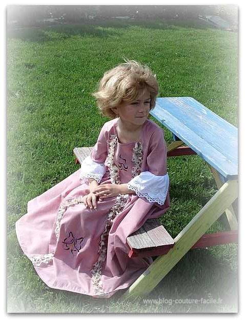 costume-enfant-robe-de-marquise