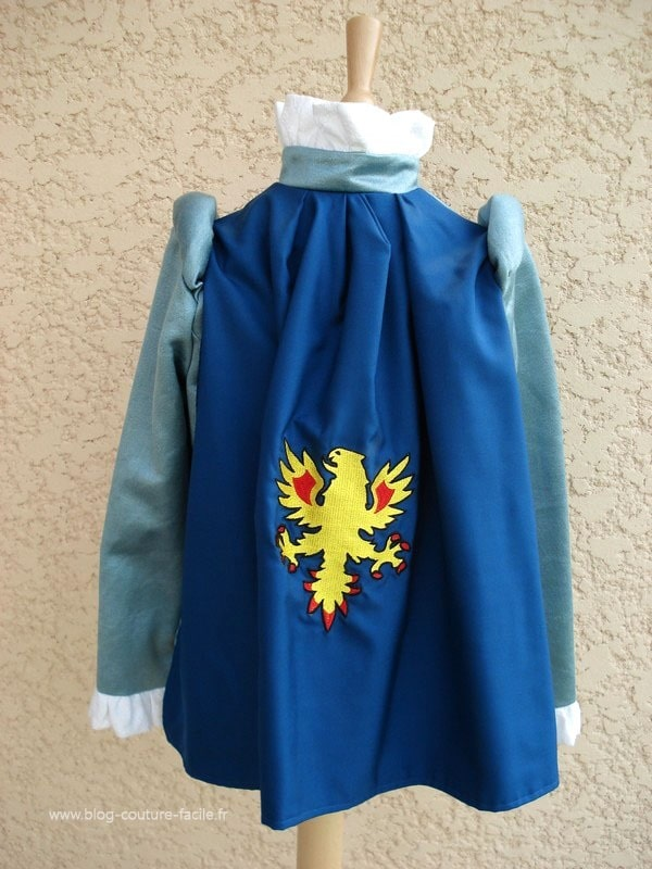 costume-cape-chevalier-enfant