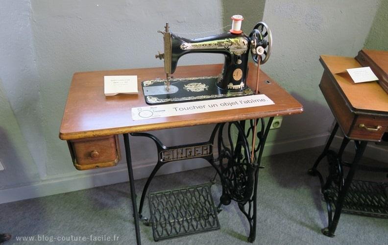 ancienne machine a coudre singer