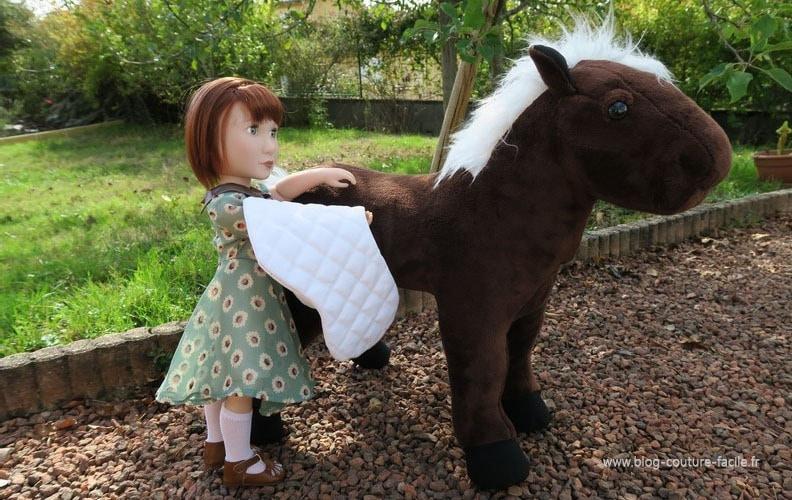 peluche couverture cheval poupee