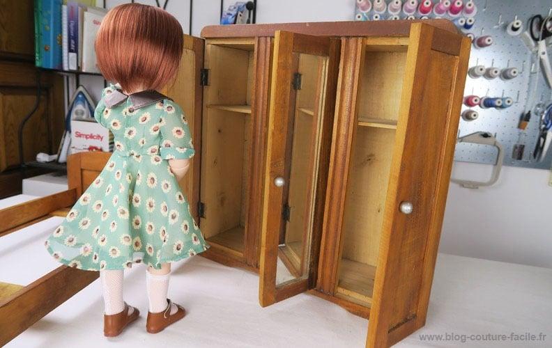 armoire-ouverte-poupee-1940
